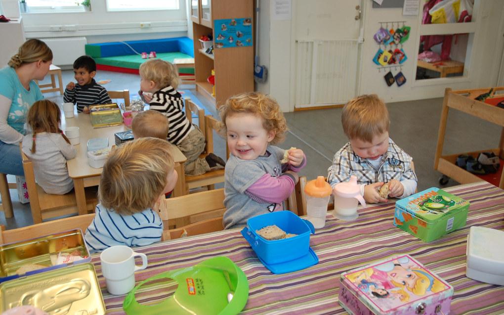 Barnehagen er en viktig sosial og pedagogisk måltidsarena for barn under oppveksten. Ill.foto: Utdanning