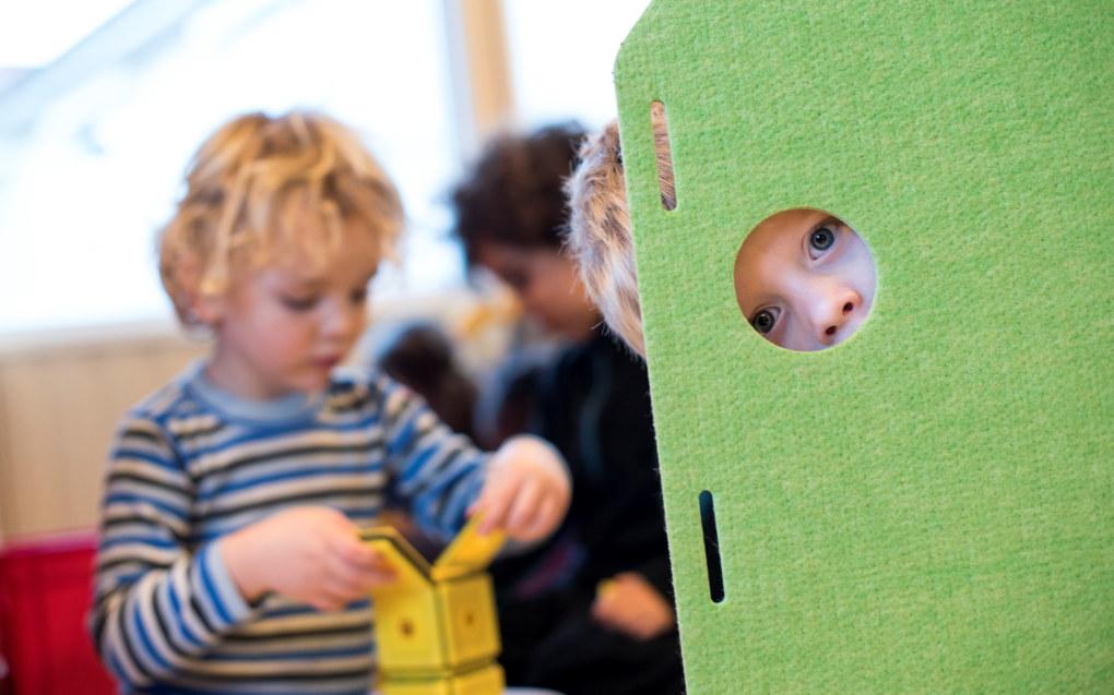 Forventningene er store om at barnehagebarna skal leike seg til læring. Men det er de barnehageansatte som må finne ut hvordan. Foto: Erik M. Sundt