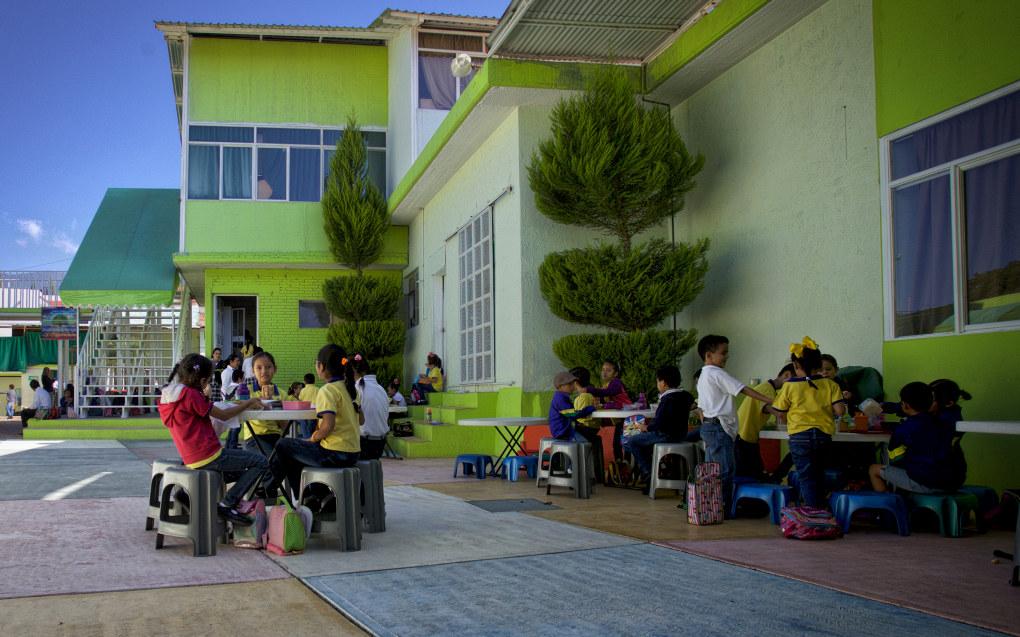 Teizcali er en av Mexicos mange private undervisningsinstitusjoner som har tilbud til flere aldersgrupper. Skolen har både barnehage, barne- og ungdomsskole. Barnas egne interesser og behov står i sentrum for læringen. Foto: Marco Aguilar