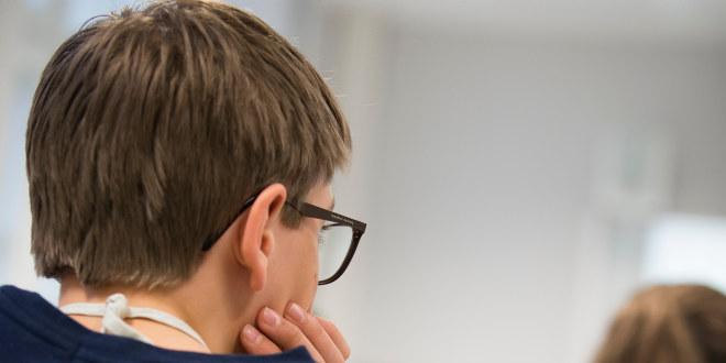 En gutt som tenker