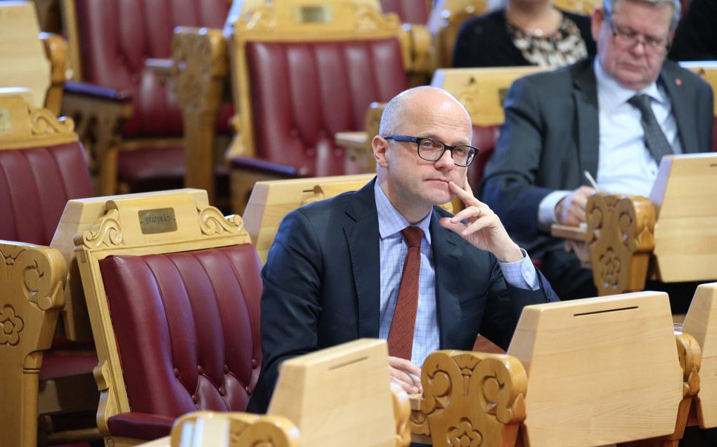 Klima- og miljøminister Vidar Helgesen (H) er her på Stortinget under en debatt om redegjørelse om forvaltningen av ulv 31. januar i år. Foto: Gorm Kallestad / NTB scanpix