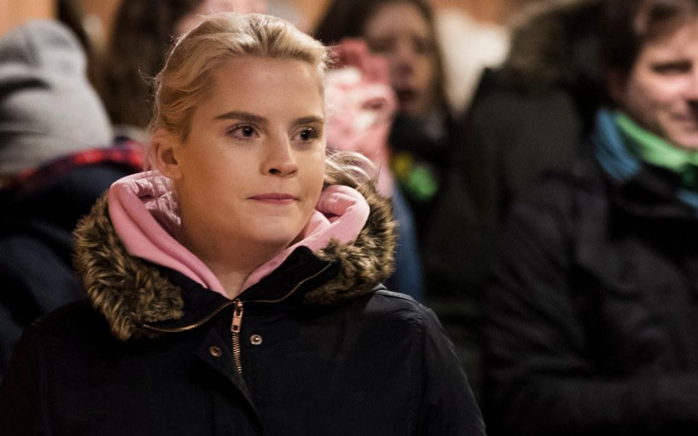 NRK-suksessen Skam gjør også suksessi klasserommene i Danmark. Her holder Urikke Falch appell på Youngstorget under 8.mars-markeringen i 2017. Foto: Berit Roald / NTB scanpix
