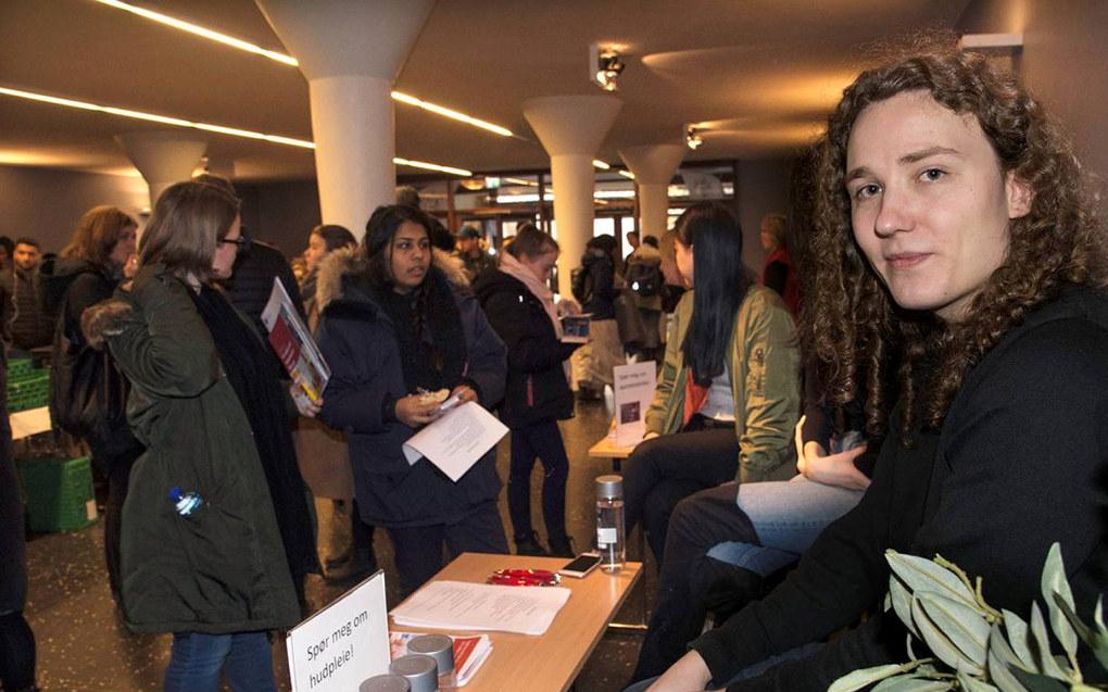 Henrik Storås Lied går Vg3 hudpleie. Han motiveres av å ha et studieløp mot et yrke der det er behov for folk. Foto: Kari Kløvstad