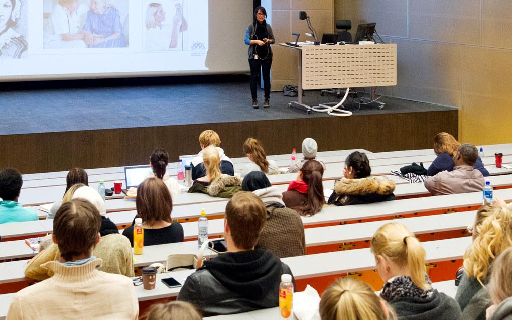 Det snakkes mer og mer engelsk blant undervisere, forskere og studenter på universitetene i Norden. Derfor foreslår en arbeidsgruppe at det må formuleres en forpliktende språkpolitikk basert på engelsk og lokale språk. Arkivfoto: Utdanning