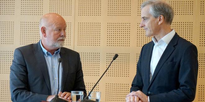 Leder i Arbeiderpartiet, Jonas Gahr Støre, besøkte torsdag 8.juni representantskapsmøtet i Utdanningsforbundet. Her med nestleder i Utdanningsforbundet Terje Skyvulstad.