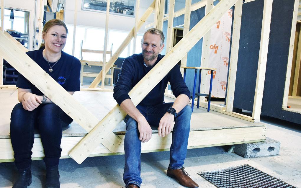 Astrid Høgden og Tor Hugo Ekran har lagt sine gamle yrker bak seg i jakten på drømmejobben som lærer. Foto: Wenche Schjønberg