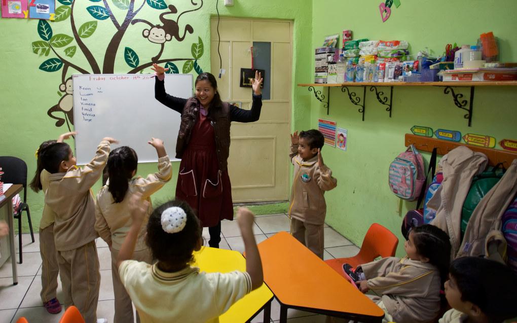 Mexico har 26 barn per pedagog og ligger dermed på bunnen i OECD-landene, mens Norge med 11 barn per pedagogisk leder ligger så vidt over snittet. Her i mexicanske Edukrte barnehage har likevel 63 % av de ansatte barnehagelærerutdanning. Foto: Marco Aguilar