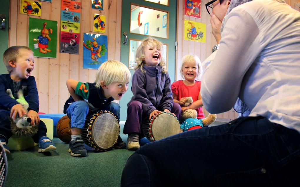 Kompetansen til dei tilsette i barnehagane skal aukast gjennom ein ny strategi som kunnskapsministeren lanserte tysdag. Arkivfoto: Jørgen Jelstad