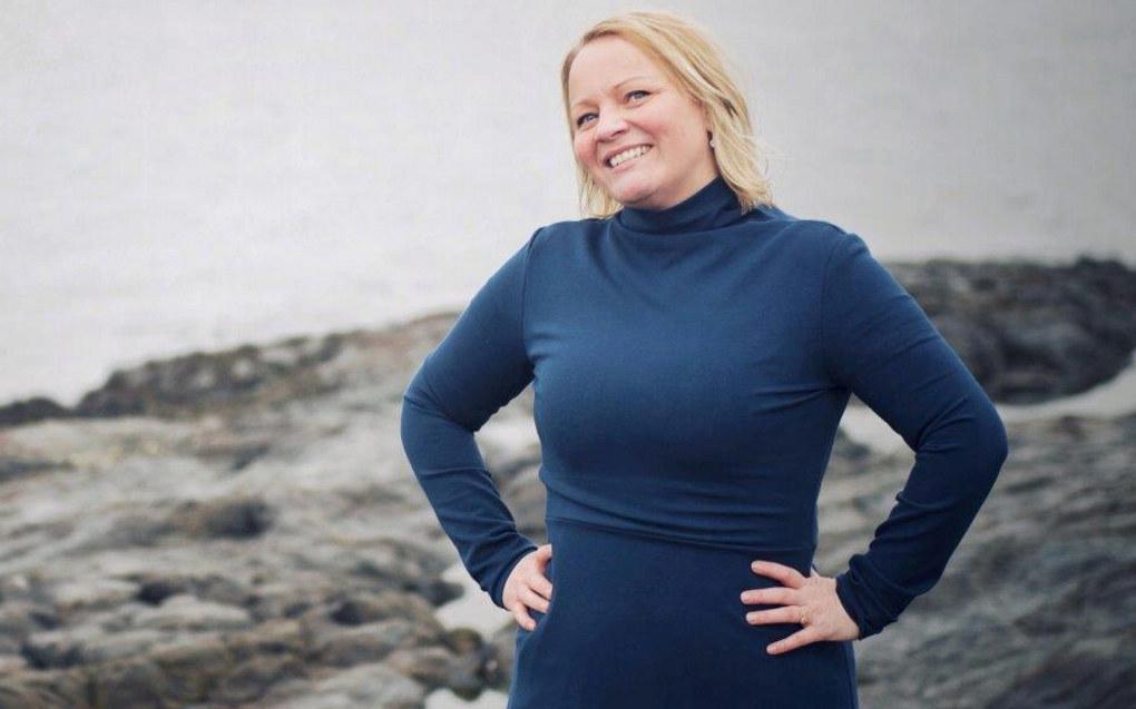 SVs nye utdanningspolitiker Mona Lill Fagerås mener regjeringen bryter barnehageforliket med sitt forslag om økt makspris i barnehagen. Foto: SV