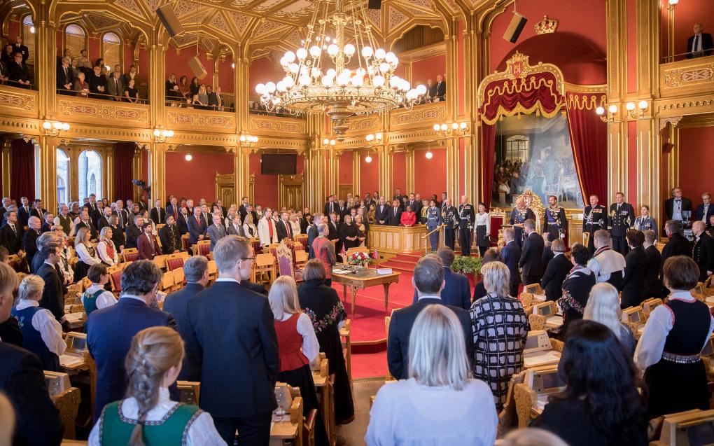 Stortinget ble åpnet på høytidelig vis i oktober. Og naturlig nok fikk alle partiene fremme sitt budskap før valget. Foto: Morten Brakestad / Stortinget
