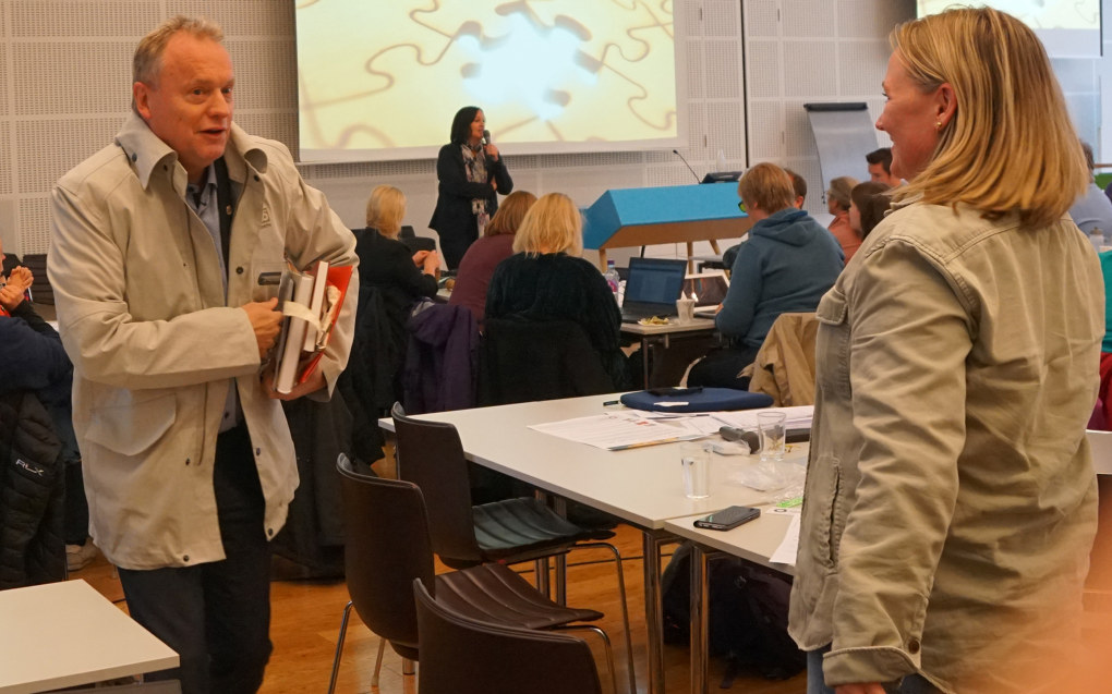 Byrådsleder Raymond Johansen fikk en varm mottakelse i Utdanningsforbundet Oslo da han snakket om byrådets planer med å utvikle tillitsbasert ledelse. Foto: Marianne Ruud