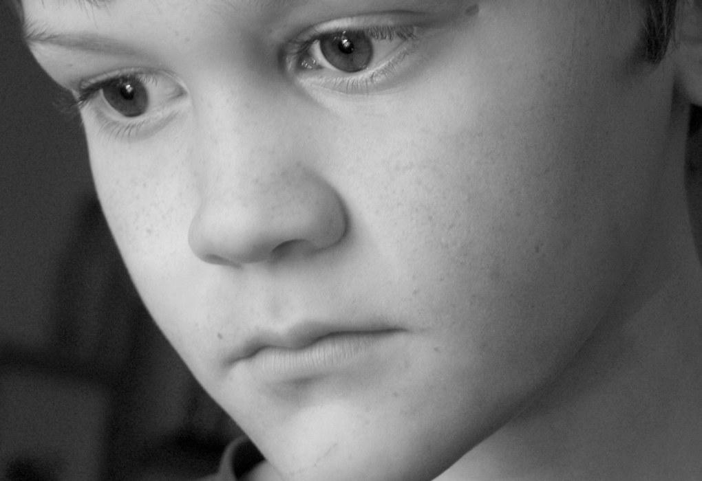 Barn og unge med selektiv mutisme er livredde for å bli oppfattet som frekke, avvisende eller manipulerende. De VIL snakke, men klarer det ikke - og de forstår ikke hvorfor ordene ikke kommer ut. Ill.foto: Sarah Miles, FreeImages