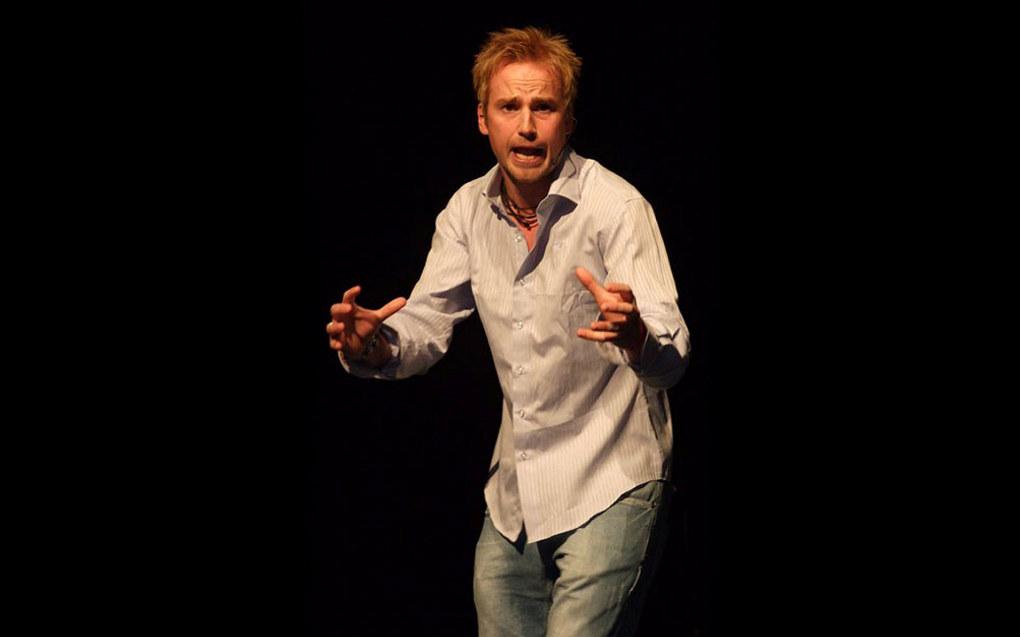 Audun Gikling er lærer og stand up-komiker. Foto: Aura Avis