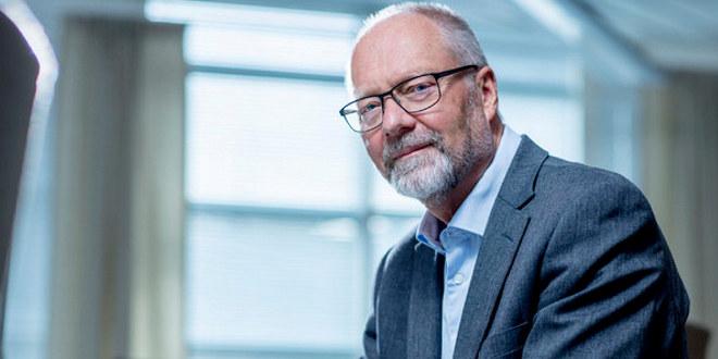 Sjeføkonom i Unio, Erik Orskaug, sittende på stol.