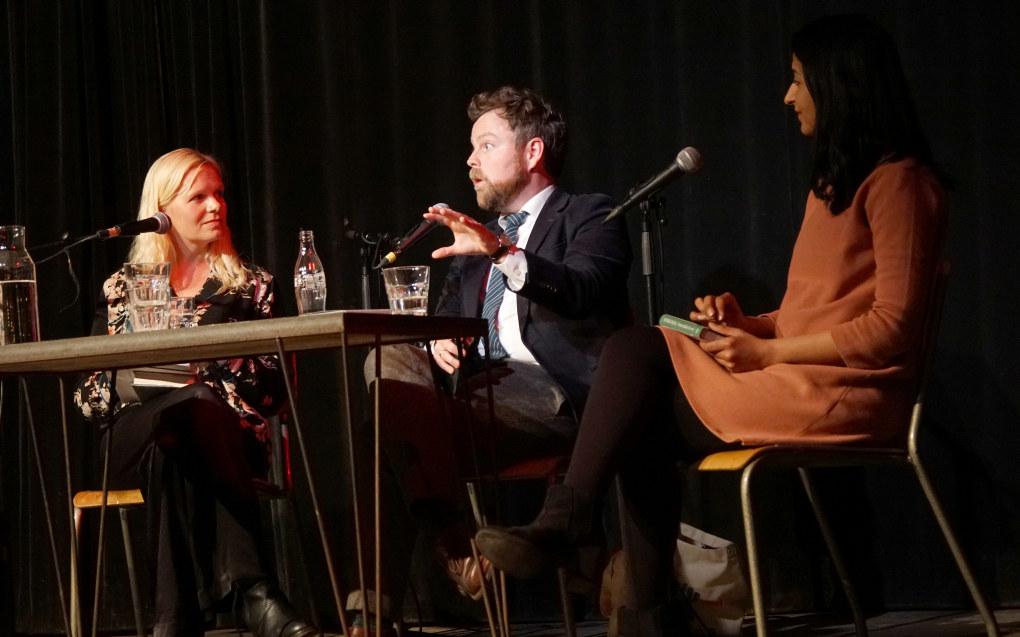 Marte Spurkland, Torbjørn Røe Isaksen og Bushra Ishaq . Foto: Marianne Ruud
