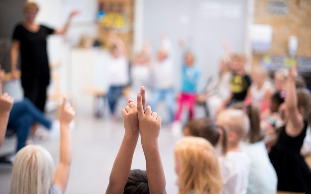 Det mangler om lag 850 millioner kroner i friske midler til lærernormen om maksimalt 16 elever per lærer på 1. til 4. trinn og 21 elever per lærer på 5. til 10. trinn fra 1. august 2018. Ill.foto: Erik M. Sundt