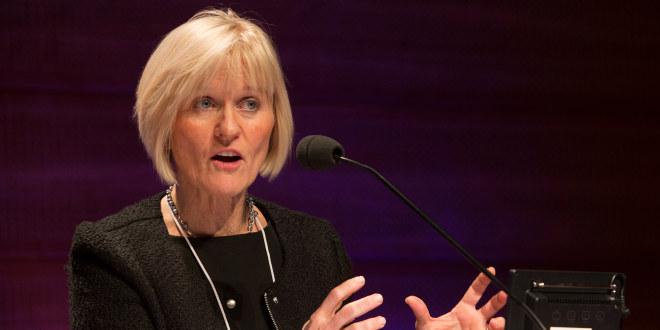 Leder i Unio, Ragnhild Lied, taler via mikrofon
