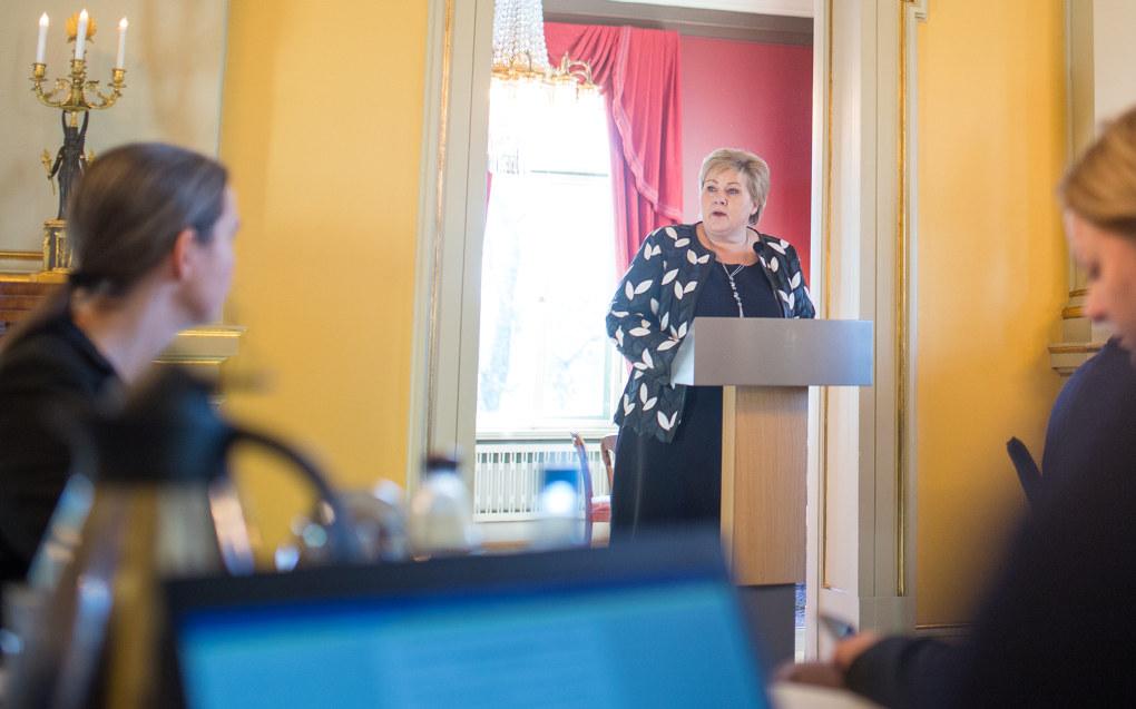 – Vi må sørge for at vi har lærere som har god nok digital kompetanse, sier statsminister Erna Solberg til Utdanning. Foto: Hans Skjong