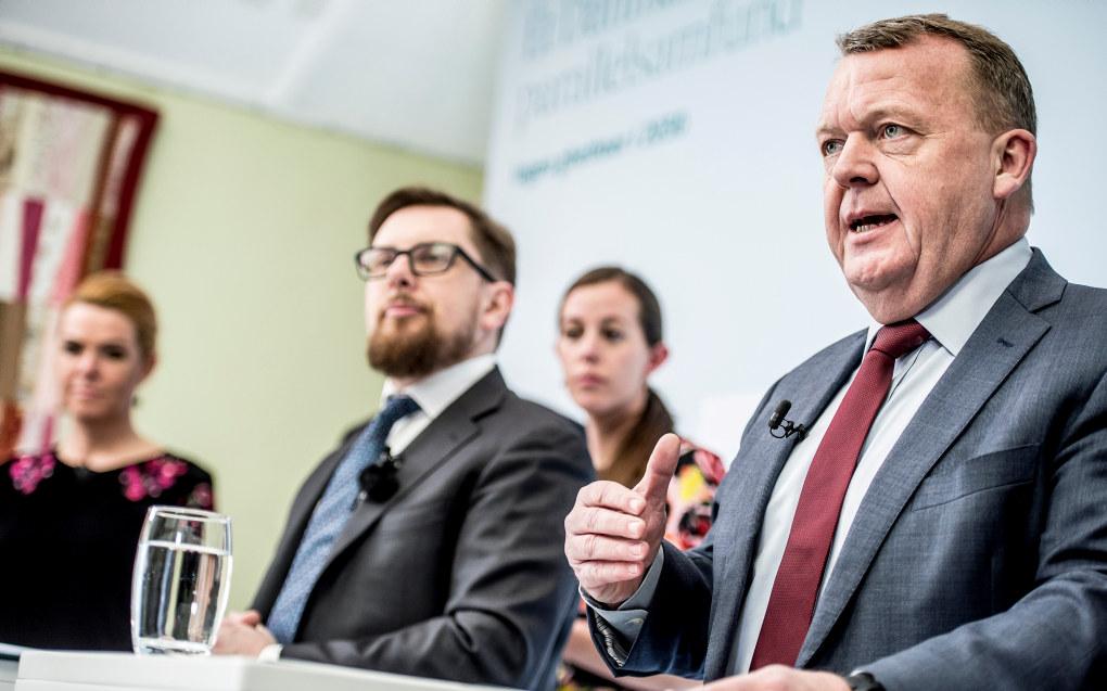 Statsminister Lars Løkke Rasmussen og regjeringen presenterte «Ét Danmark uden parallelsamfund - ingen ghettoer i 2030» i Mjølnerparken i København, i går. Foto: Mads Claus Rasmussen/Scanpix 2018
