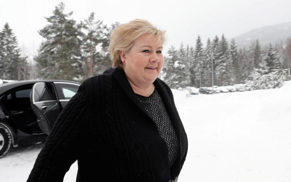 Statsminister Erna Solberg ankommer regjeringens budsjettkonferanse på Hurdalsjøen hotell. Foto: Berit Roald / NTB scanpix