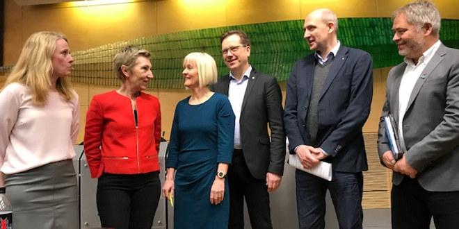 Partene i forhandlingene om offentlig tjenestepensjon, deriblant Unios Ragnhild Lied.