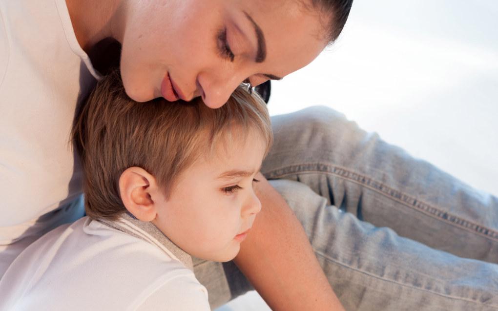 Er du sensitiv og toner deg inn på barnets følelser, slik at det opplever å bli forstått vil du lære barnet å forstå sine egne følelser og deretter andres, mener professor May Britt Drugli NTNU. Illustrasjon: fotolia.com