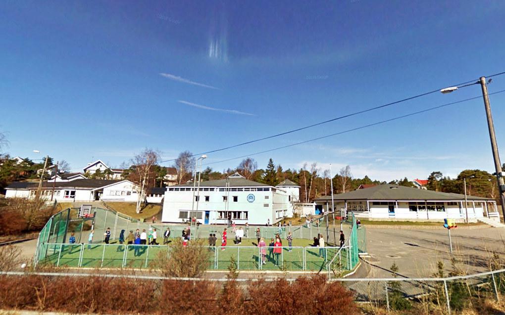 Åttekanten skole på Vesterøy er en av to skoler i Hvaler kommune. Foto: Google