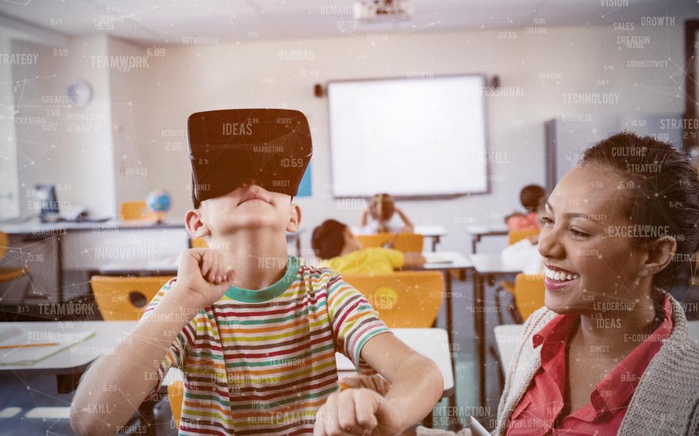 Når lærere og utviklere jobber sammen i en prosjektgruppe som er tett på skolen, og med ansvarsfølelse for helheten, vil sjansene være større for å lykkes med det nye og digitale, skriver Cathrine Tømte og Jørgen Sjaastad. Illustrasjonsfoto: Adobe Stock