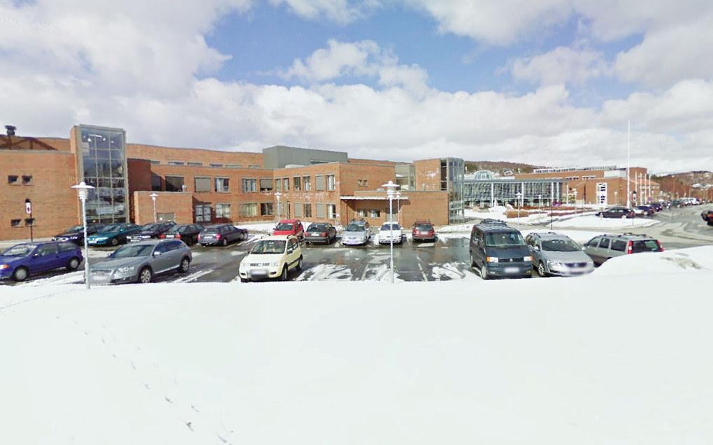 Tall fra Samordna opptak viser at høgskolene har 190 tomme studieplasser på grunnskolelærerutdanningen. Til sammenlikning er de ingen ledige plasser på sykepleierutdanningen. Ved Nord Universitet i Bodø (bildet) er det halve lærerklasser. Foto: Google.