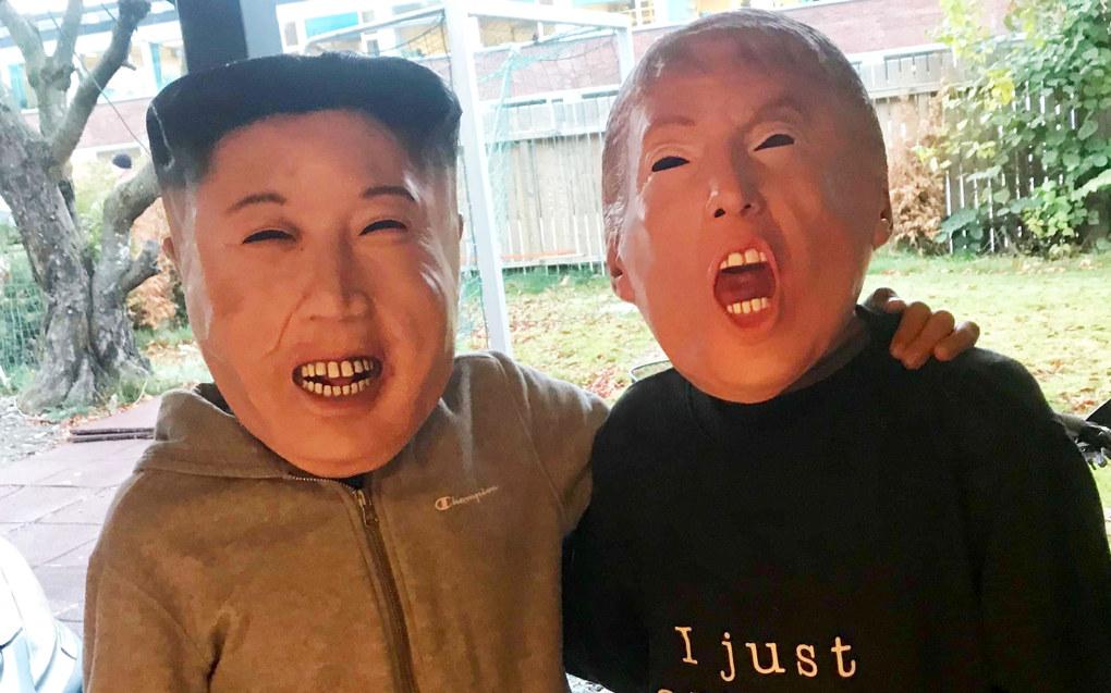 Masker av Kim Jong-un, Vladimir Putin og Donald Trump er populære blant barn og unge på Halloween i år. Foto: Sonja Holterman