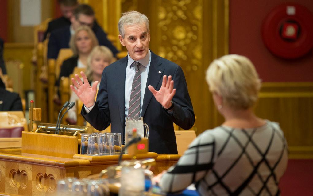 Ap-leder Jonas Gahr Støre stilte spørsmål til finansminister Siv Jensen (FrP) om makspris i barnehagen. Foto: Vidar Ruud / NTB scanpix