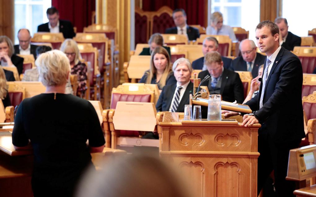 KrFs Kjell Ingolf Ropstad i debatt med finansminister Siv Jensen (FrP) etter finanstalen i forbindelse med regjeringens fremleggelse av statsbudsjettet for 2019. Foto: Håkon Mosvold Larsen / NTB scanpix