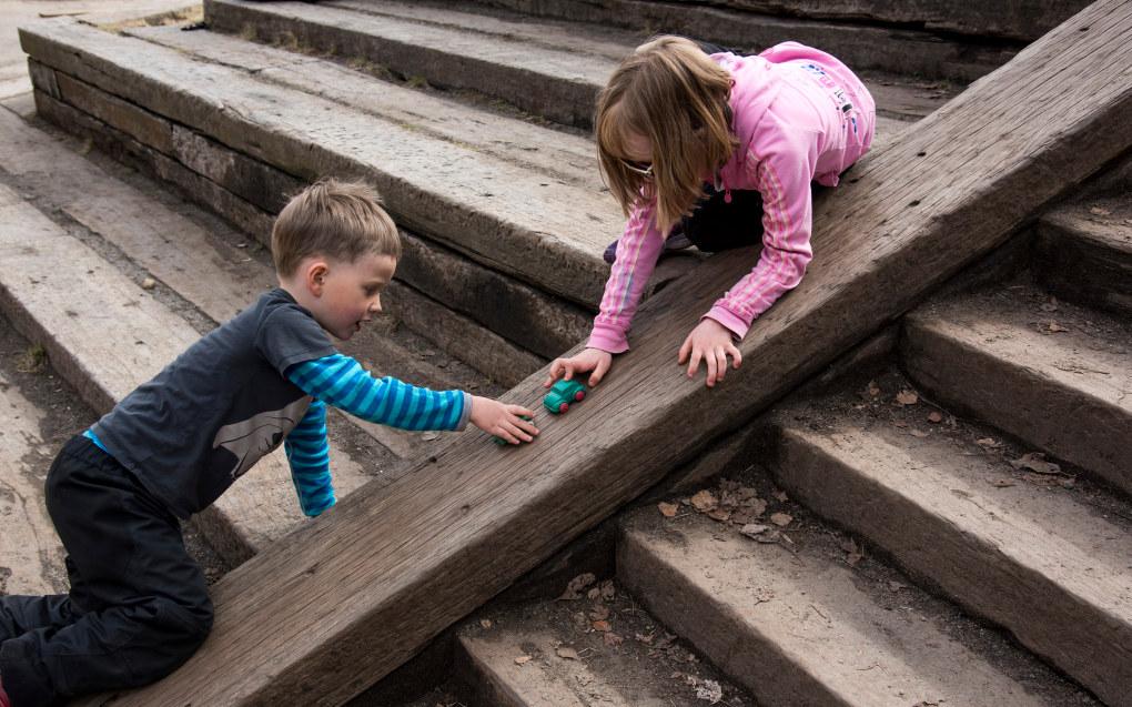 Regjeringens budsjettforslag på vel 100 millioner for å få nok ansatte i barnehagene er ikke nok, mener KS og Utdanningsforbundet. Ill. foto Erik M. Sundt