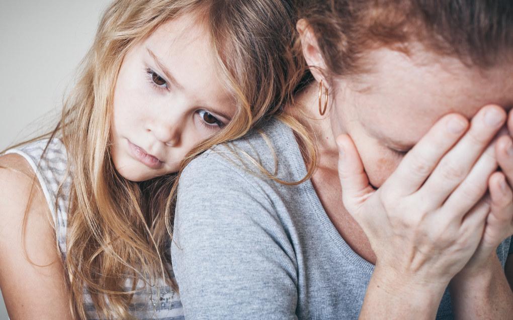 Jeg har opplevd hvordan familien benekter at mamma eller pappa er syk og skal dø, mens leger og spesialister prøver å forberede dem på sorgen og tapet. Som barnehageansatt mener jeg det er viktig å ikke benekte det som skjer. Illustrasjonsfoto: Fotolia.com