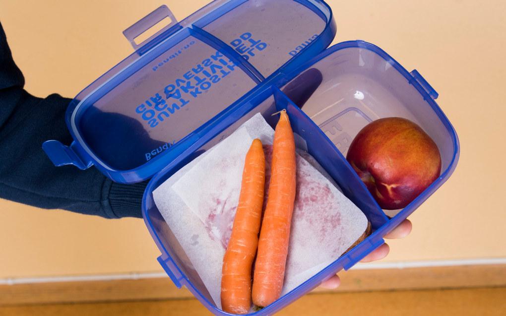 Hvis skolemat fortrenger noe, så er det inntaket av godteri og søtsaker, som gjør særlig yngre barn ukonsentrerte, skriver Ingvild Kjerkol. Arkivfoto: Utdanning