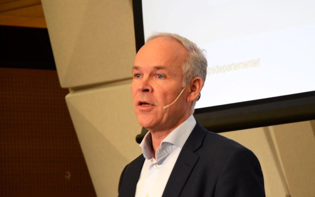 Kunnskapsminister Jan Tore Sanner presenterte ferske tall som viser at lærertettheten i grunnskolen går opp. Foto: Kari Oliv Vedvik.