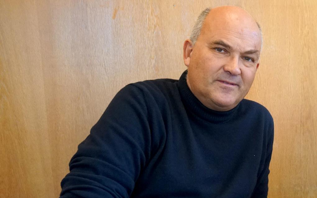 Jeg har aldri hørt eksplisitt at noen frykter å delta i debatt, men det finnes få rektor som er like frittalende som Bjørn Bolstad i Bærum, sier Kjell Lars Berge (bildet), professor i retorikk og språklig kommunikasjon ved Universitetet i Oslo.