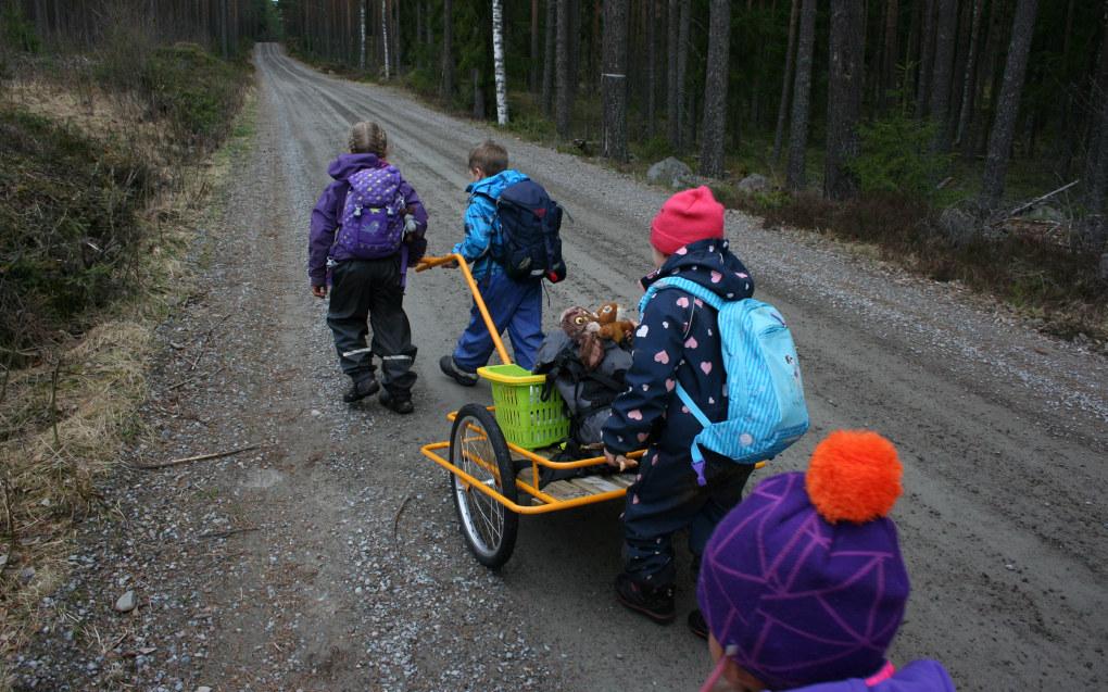 En ny norsk studie viser store forskjeller mellom barna i forskjellige barnehager når det kommer til læring av helt sentrale ferdigheter. I gjennomsnitt hadde barna i barnehagene som skårer best hele fem måneders læringsforsprang på barn i barnehagene i andre enden av skalaen. Arkivfoto: Kjersti Mosbakk.