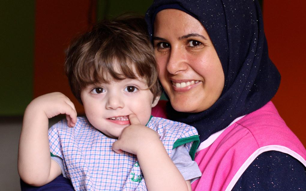 Pedagog Zahraa Bajouk føler ikke at hun og Jawad blir spionert på til tross for at City of Angels barnehage har 16 overvåkingskameraer. Foto:Miriam Lykke Schultz