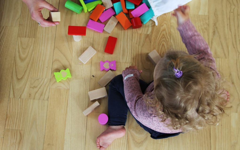 De store barnehagekjedene bemanner opp, men de har fortsatt lavere bemanning enn andre barnehager. Arkivfoto: Utdanning.