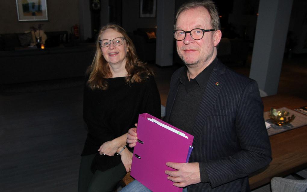 Valgkomiteens leder Bjørn Wiik og nestleder Mildrid Beate Kronborg Økland håper å få mange forslag på kandidater fra medlemmene i Utdanningsforbundet. Foto: Harald F. Wollebæk