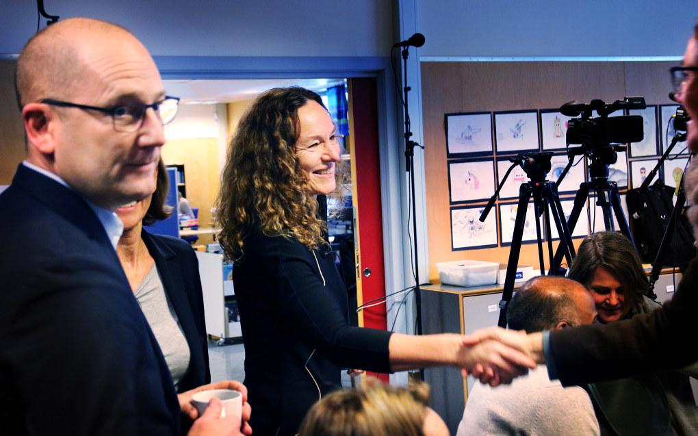 Camilla Stoltenberg ledet utvalget som denne uken kom med 64 tiltak for å løfte guttenes prestasjoner i skolen. Til venstre er Steffen Handal, leder i Utdanningsforbundet. Foto: Jørgen Jelstad.