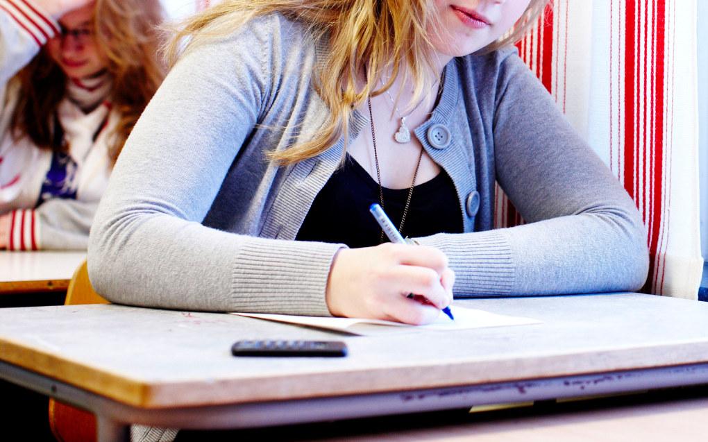 Trygghet, relasjoner og støtte er tre sentrale ord i guiden som det danske EVA-instituttet har gitt ut for å hjelpe lærere å styrke elevenes trivsel i den videregående skolen. Arkivfoto: Utdanning