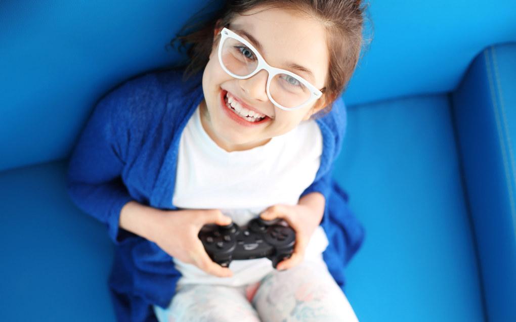 Både dataspill, serier og filmer er med andre ord uformelle måter å lære engelsk på, tidsfordriv der man får engelsk «på kjøpet», sier Pia Sundquist, dosent i engelsk ved Universitetet i Oslo og Universitetet i Karlstad i Sverige. Ill.foto: AdobeStock