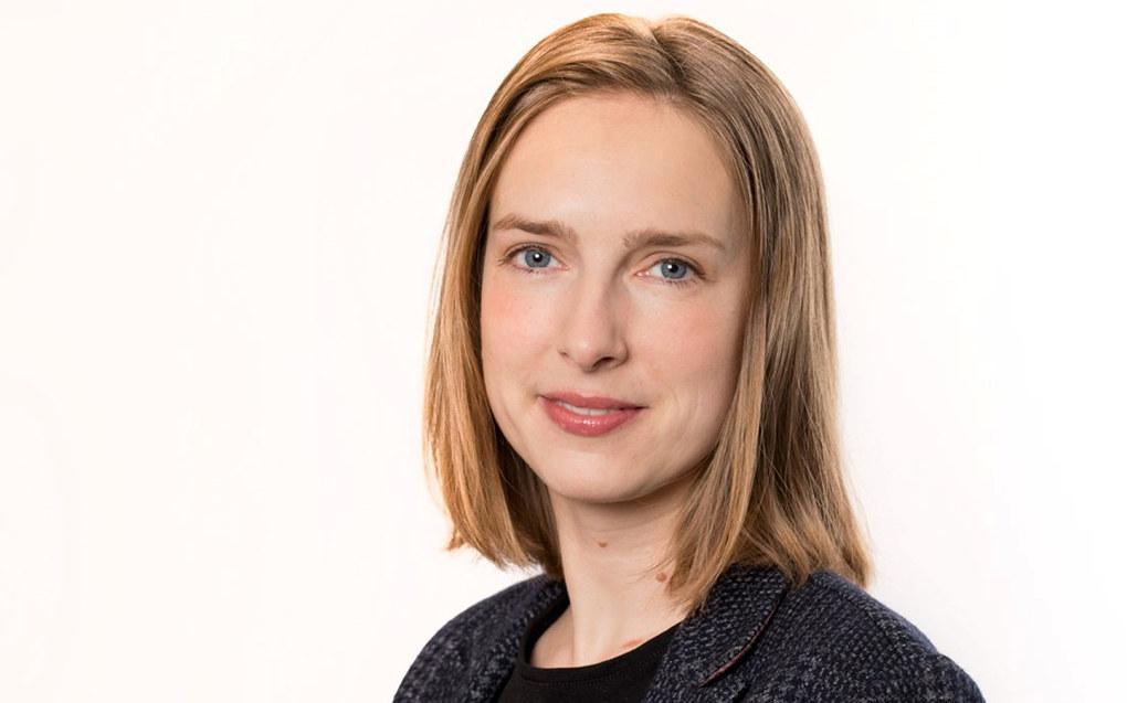 Minister for forskning og høyere utdanning, Iselin Nybø, gir midler til at ti lærere kan ta doktograd. Foto: Marte Garmann