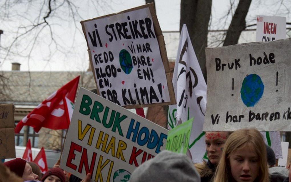 Tema for verdens miljødag er luftforurensning. Bildet er fra klimastreiken i mars i Trondheim . Arkivfoto: Trondheim Natur og Ungdom