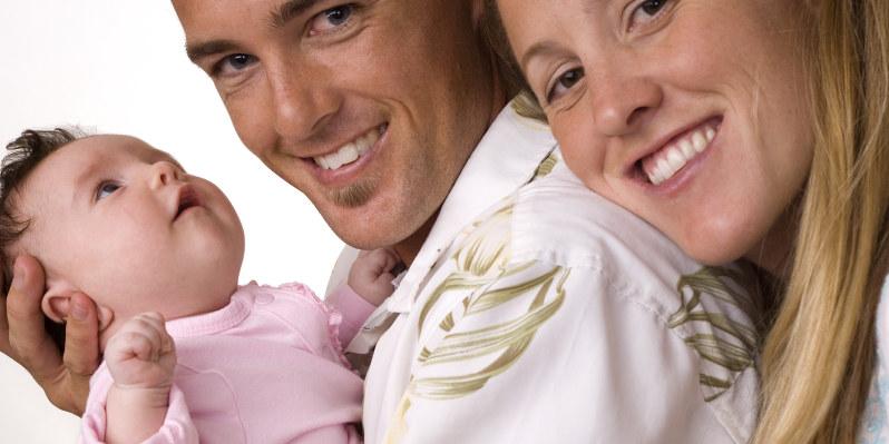 Baby, far og mor.