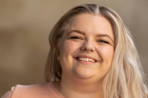 Bilde viser nyvalgt leder i Pedagogstudentene, Elise Håkull Klungtveit