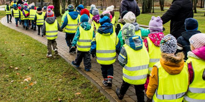 Illustrasjonsfoto av barnehage på tur