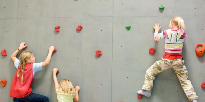 Katellet, okt 2007, gym, gymsal, lek, barn, elever, klatre, klatring, helse, bevegelse, kroppsøving, trening,